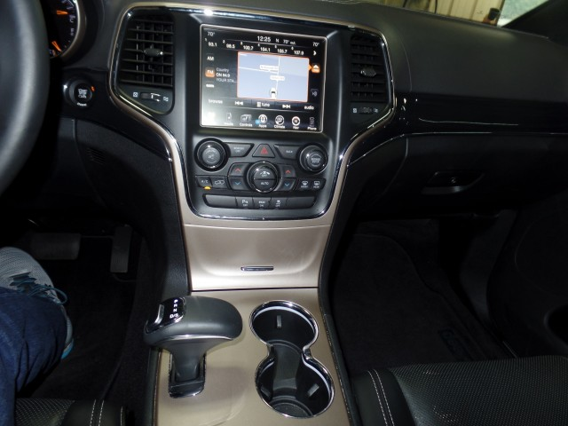 2015 Jeep Grand Cherokee Overland 4x4 4dr SUV in Cleveland