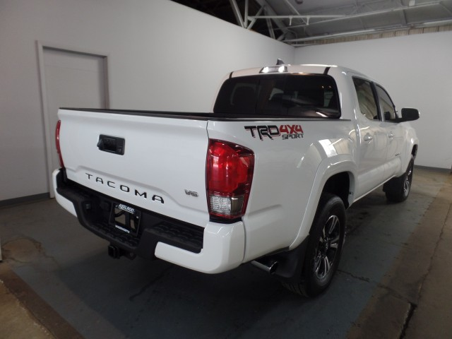 2017 Toyota Tacoma SR5 Double Cab TRD Sport V6 6AT 4WD | For