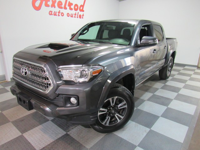 2017 Toyota Tacoma SR5 Double Cab TRD Sport 4WD