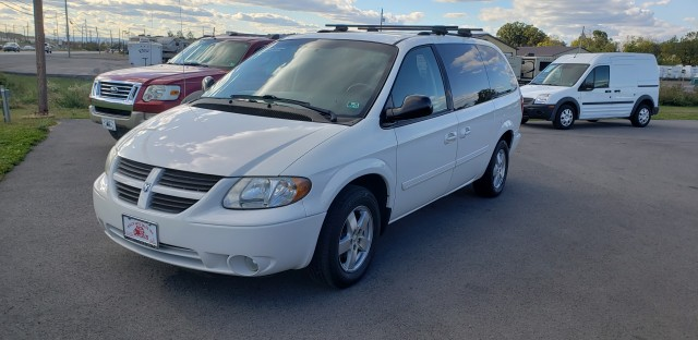 2007 Dodge Grand Caravan SXT for sale at Mull's Auto Sales