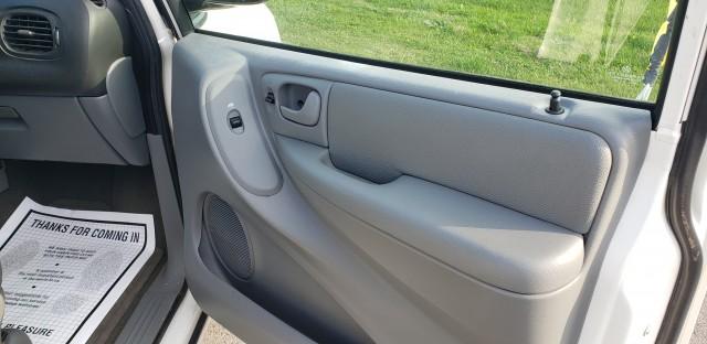 2007 Dodge Grand Caravan SXT for sale at Mull's Auto Sales