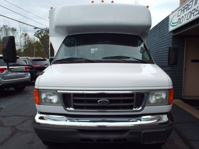 2006 FORD ECONOLINE E450 SUPER DUTY CUTAWAY VAN for sale at Carena Motors