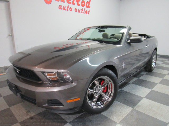 2010 Ford Mustang Premium in Cleveland