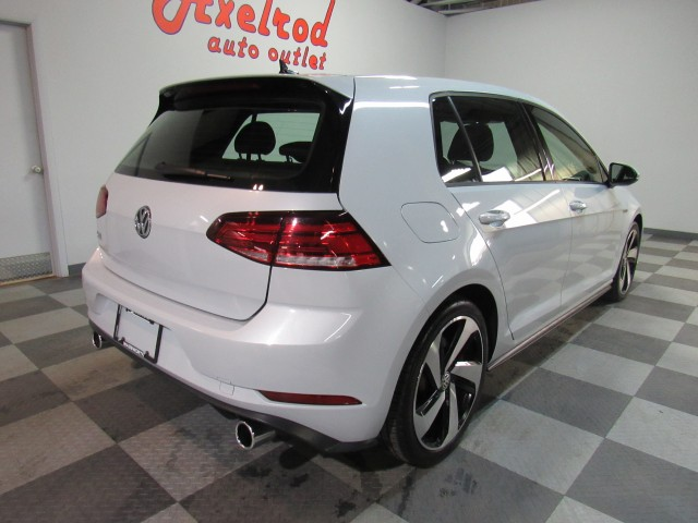 2018 Volkswagen Golf GTI SE 6A 4-Door in Cleveland