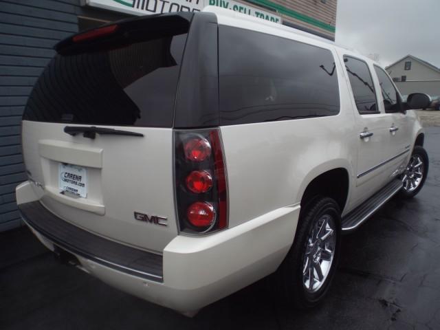 2011 GMC YUKON XL DENALI for sale at Carena Motors