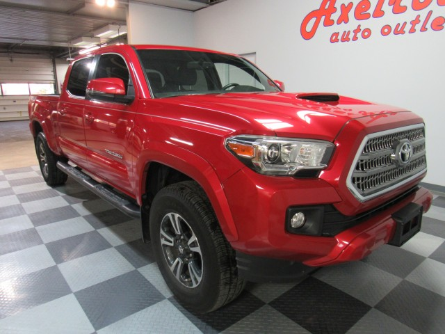 2017 Toyota Tacoma SR5 Double Cab Super Long Bed V6 6AT 4WD in Cleveland