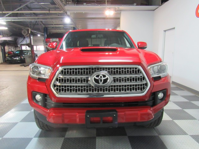 2017 Toyota Tacoma SR5 Double Cab TRD Sport  Long Bed V6 6AT 4WD in Cleveland
