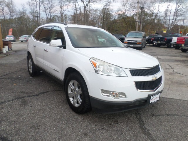 2009 CHEVROLET TRAVERSE LT for sale at Action Motors