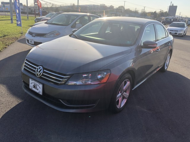 2013 Volkswagen Passat 2.5L SE AT for sale at Mull's Auto Sales