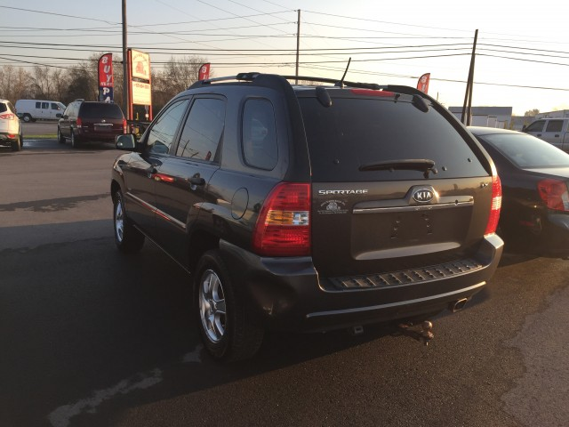 2007 Kia Sportage LX I4 4WD for sale at Mull's Auto Sales