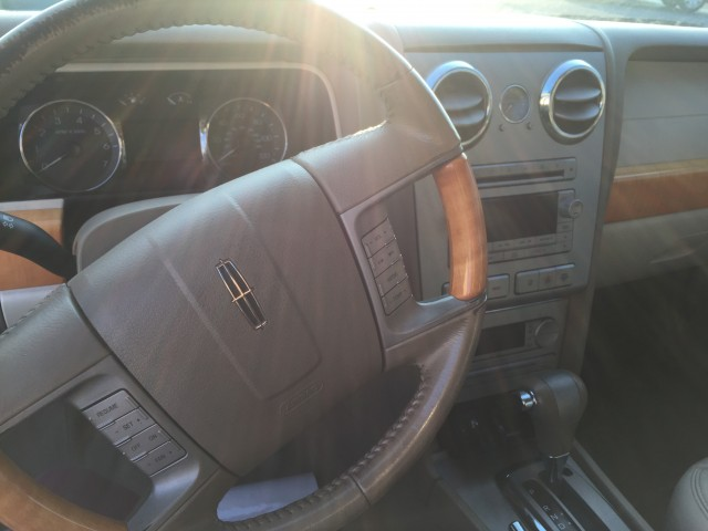 2006 Lincoln Zephyr Base for sale at Mull's Auto Sales