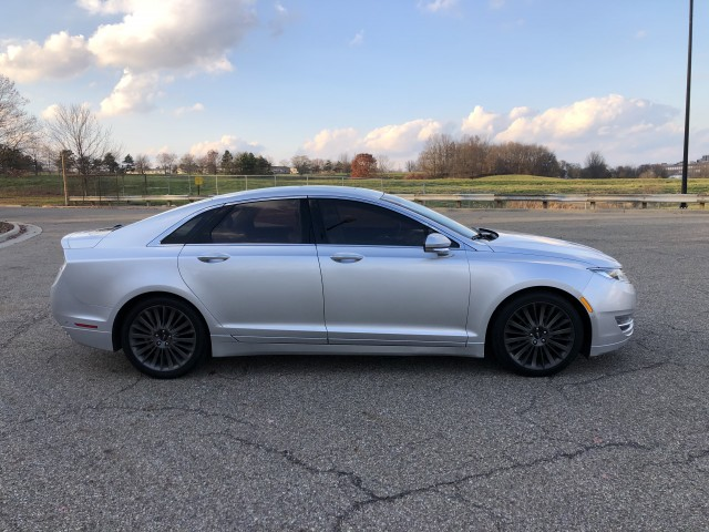 2013 Lincoln MKZ FWD for sale at Summit Auto Sales