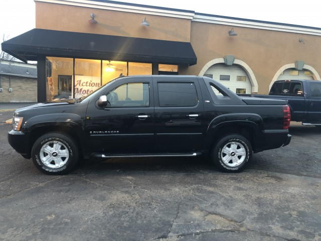 2007 CHEVROLET AVALANCHE 1500 for sale at Action Motors