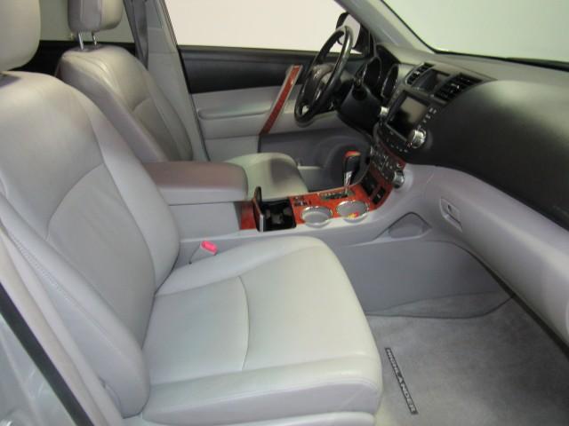 2009 Toyota Highlander Limited 4WD in Cleveland