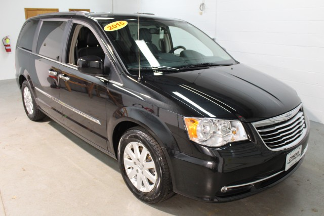 2015 CHRYSLER TOWN & COUNTRY TOURING for sale | Used Cars Twinsburg | Carena Motors