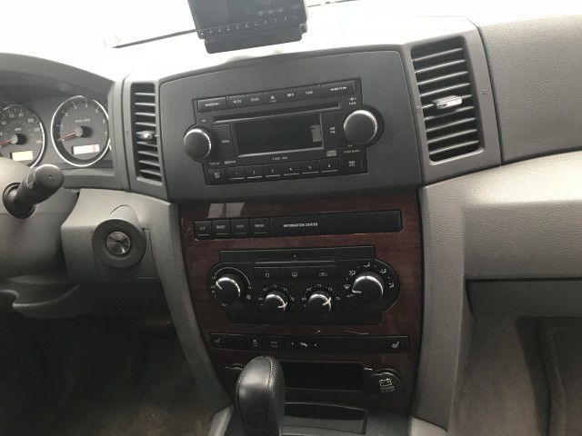 2006 JEEP GRAND CHEROKEE LIMITED for sale at Stewart Auto Group