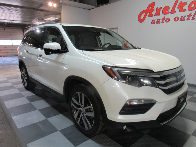 2016 Honda Pilot Touring 4WD in Cleveland