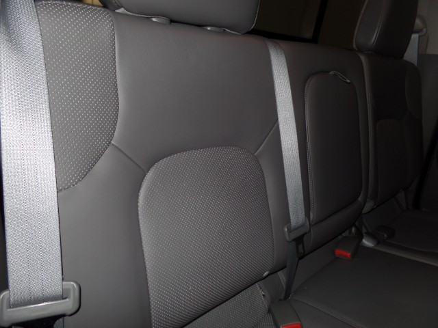 2014 Nissan Frontier SL Crew Cab 4WD LWB in Cleveland