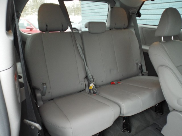 2015 TOYOTA SIENNA XLE for sale at Carena Motors