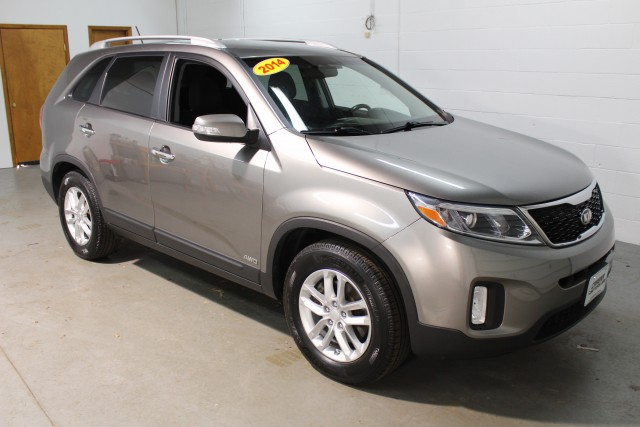 2014 KIA SORENTO LX for sale | Used Cars Twinsburg | Carena Motors