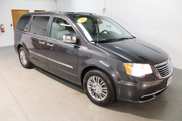 2011 CHRYSLER TOWN & COUNTRY LIMITED for sale | Used Cars Twinsburg | Carena Motors