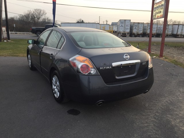2010 Nissan Altima 2.5 S for sale at Mull's Auto Sales