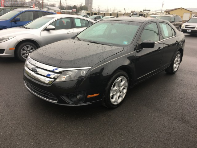 2010 Ford Fusion SE for sale at Mull's Auto Sales