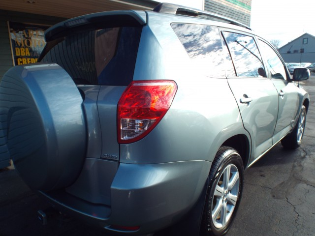 2007 TOYOTA RAV4 LIMITED for sale at Carena Motors