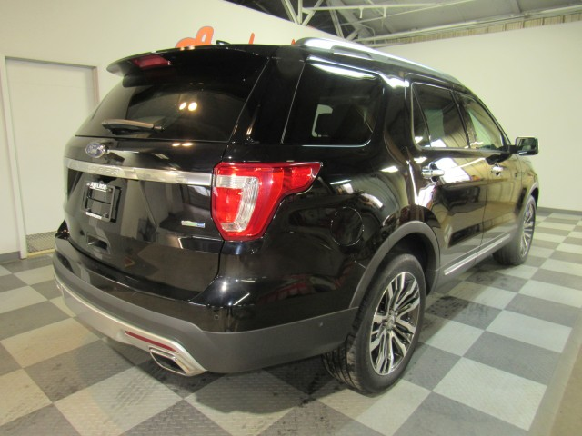 2016 Ford Explorer Platinum AWD in Cleveland