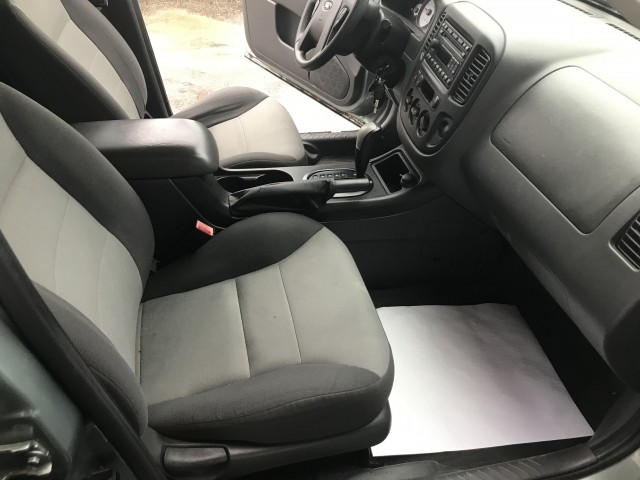 2007 FORD ESCAPE XLS for sale at Stewart Auto Group