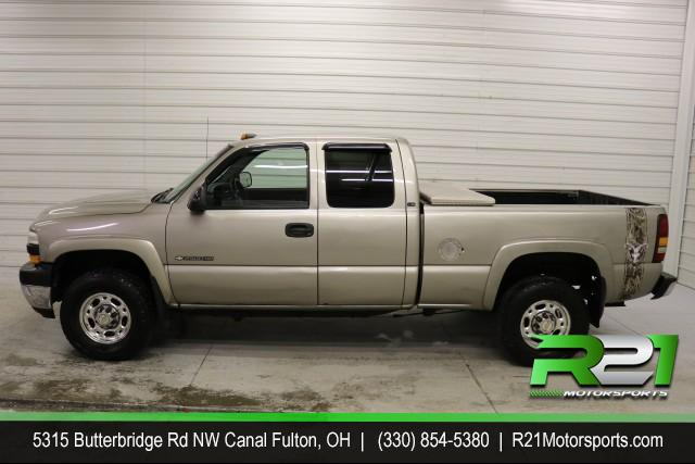 2001 CHEVROLET SILVERADO 2500HD LT - EXT CAB - 4WD - 6.0L 3/4 TON - CHEVY GAS TRUCK - CALL 330-854-5380 FOR DETAILS!! for sale at R21 Motorsports